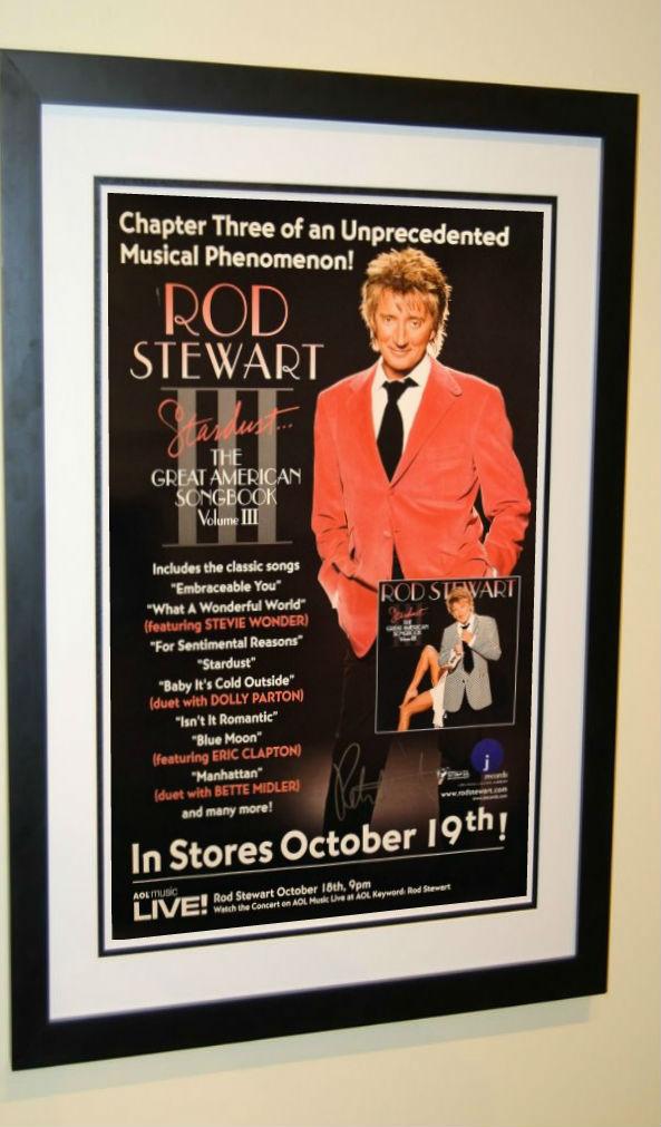 rod stewart signed poster hand signed by rod stewart rock star gallery. Black Bedroom Furniture Sets. Home Design Ideas