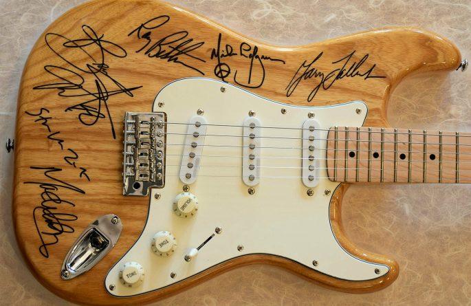 Bruce Springsteen Genuine Hard Solid Wood Fender Stratocaster
