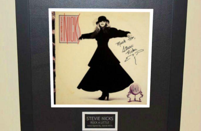 Stevie Nicks – Rock A Little