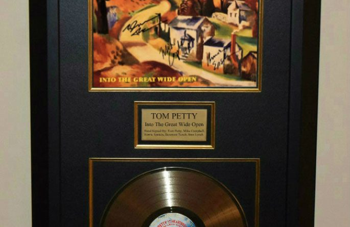 Tom Petty & The Heartbreakers – Into The Great Wide Open