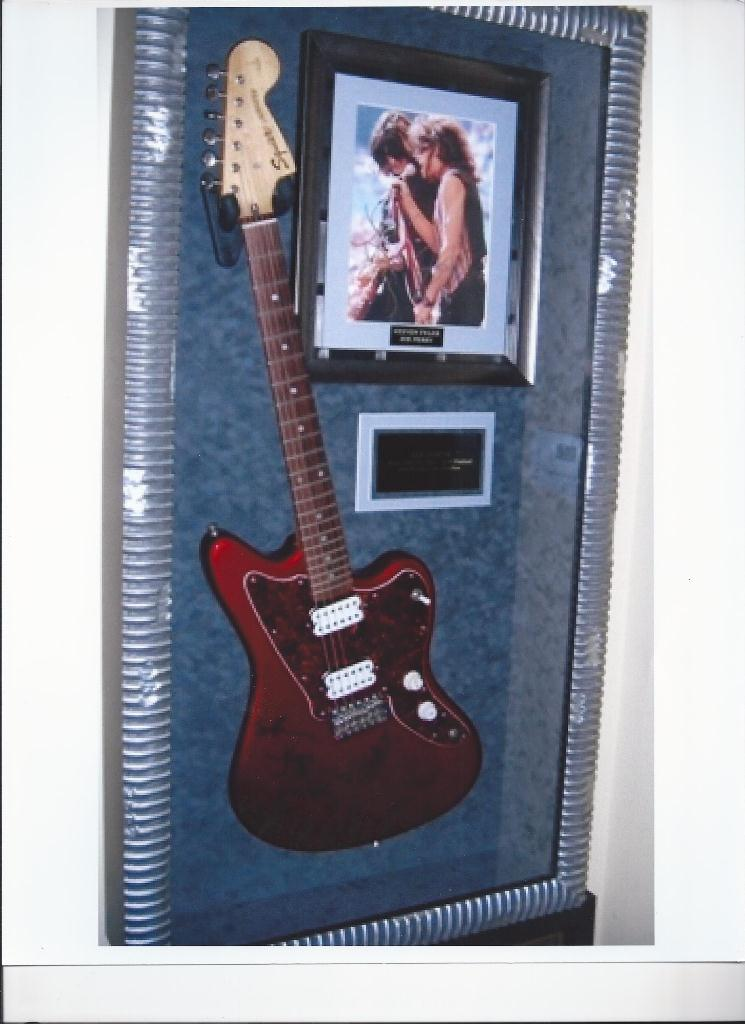 aerosmith rock star gallery hand signed collectiblesrock star gallery. Black Bedroom Furniture Sets. Home Design Ideas
