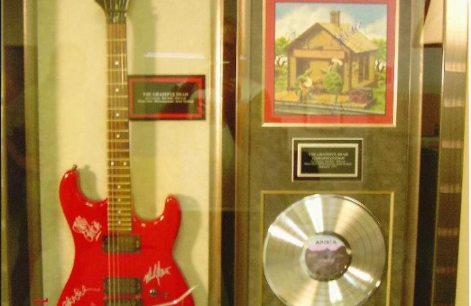 #2 The Grateful Dead Signed Guitar Display