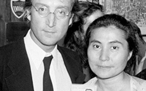 John Lennon & Yoko Ono, Green card NYC, 1976