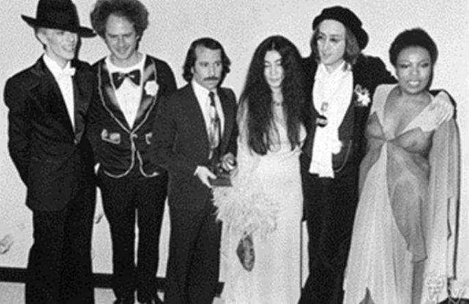 David Bowie, Art Garfunkel, Paul Simon, Yoko Ono, John Lennon & Roberta Flack Grammy Awards, NYC, 1975