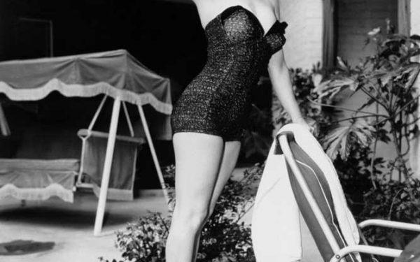 Marilyn, Poolside