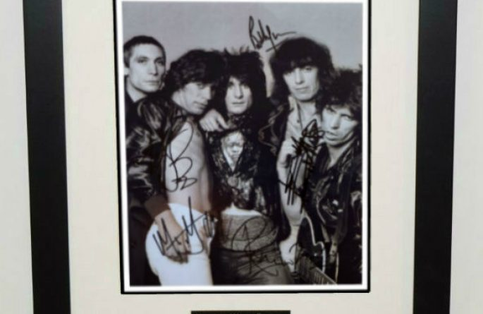 #10-Rolling Stones Signed 8×10 Photograph