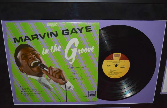 marvin gaye in the groove rock star gallery hand signed collectiblesrock star gallery. Black Bedroom Furniture Sets. Home Design Ideas