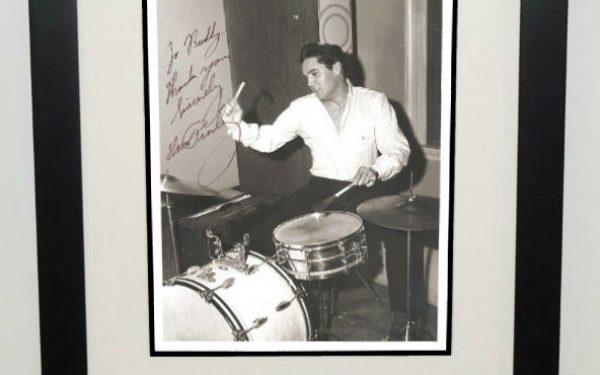 #7-Elvis Presley Signed 8×10 Photograph