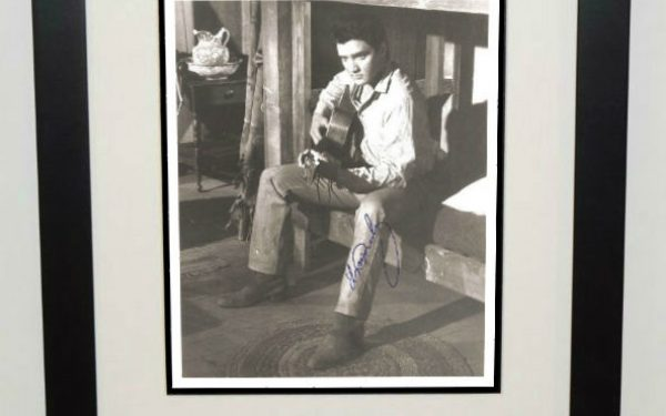 #6-Elvis Presley Signed 8×10 Photograph