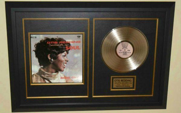 Otis Redding and Little Joe Curtis sing Soul – Right On