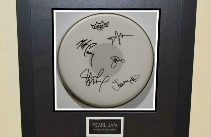 Pearl Jam – Drum Head