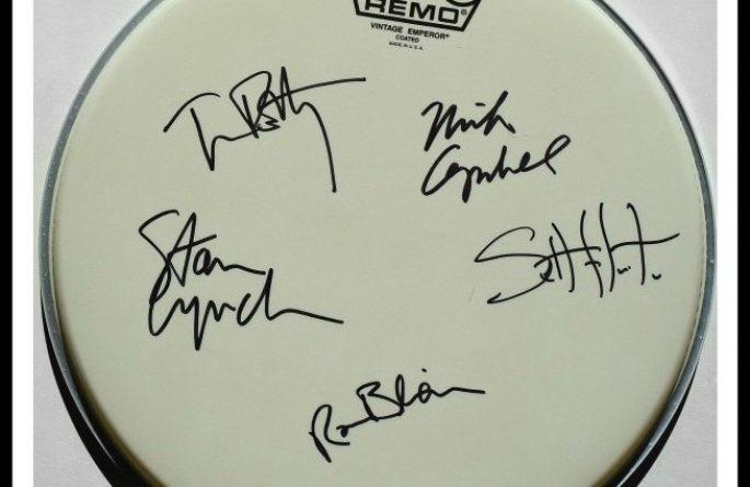 "Tom Petty & The Heartbreakers – 12"" Remo Drum Head"