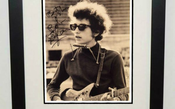 #14-Bob Dylan Signed 8×10 Photograph