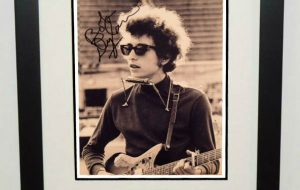 #14-Bob Dylan Signed 8×10 Photograph
