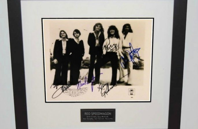 REO Speedwagon Signed 8×10 Photograph