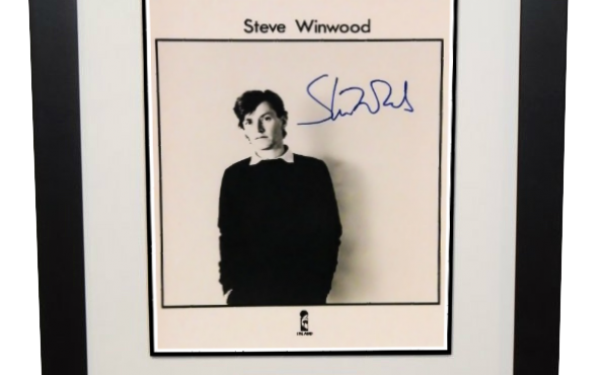 Steve Winwood Signed 8×10 Photograph