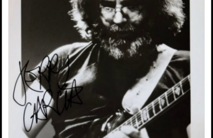 Jerry Garcia Signed 8×10 Photograph
