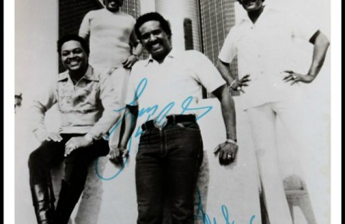 Four Tops Signed 8×10 Photograph