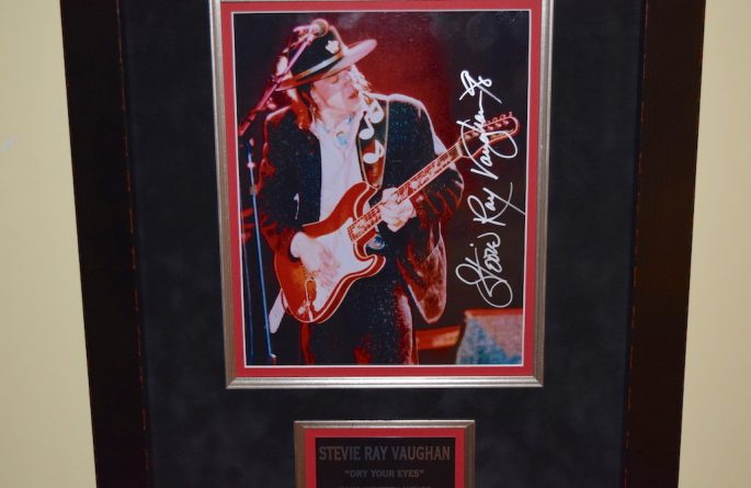 Stevie Ray Vaughan – Dry Your Eyes