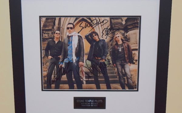Stone Temple Pilots Signed 8×10 Photograph
