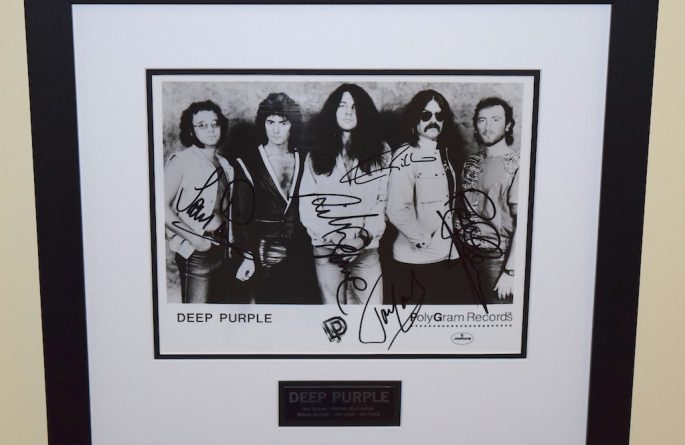Deep Purple Signed 8×10 Photograph