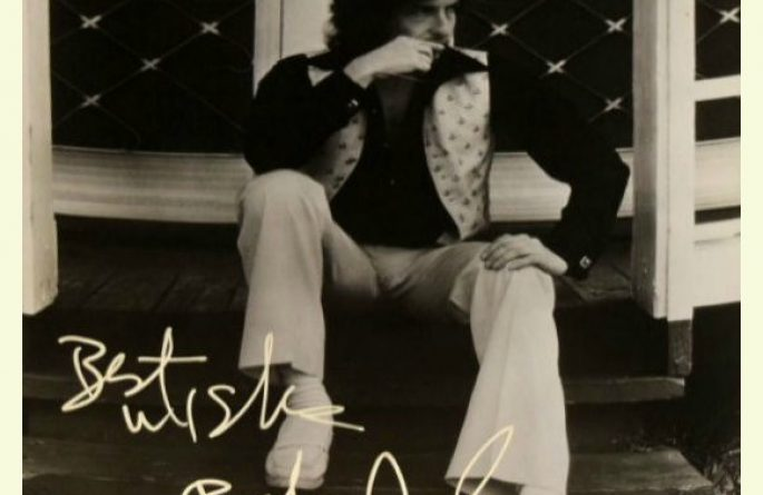 #15-Bob Dylan Signed 8×10 Photograph