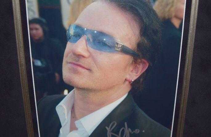 U2 – Bono – Invisible
