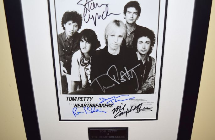 #8-Tom Petty & The Heartbreakers Signed 8×10 Photograph