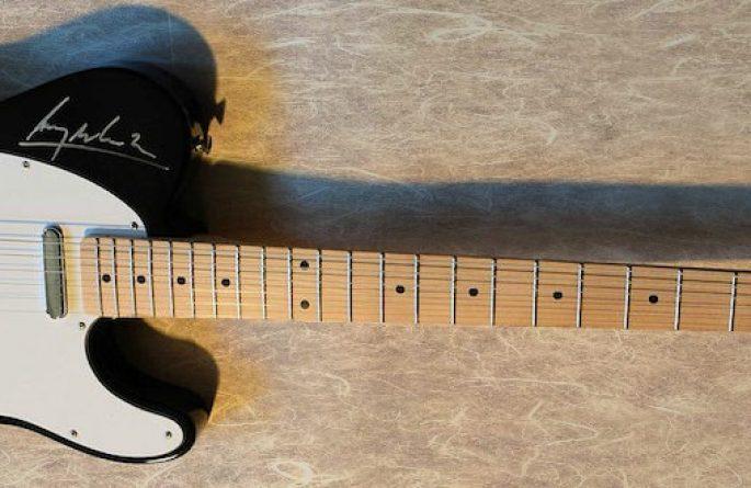 U2 Fender Telecaster