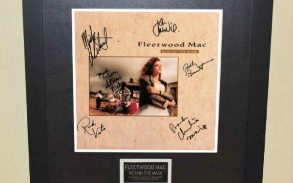 Fleetwood Mac – Behind The Mask