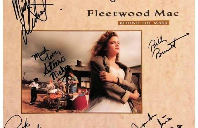 Fleetwood Mac – Behind The Mask