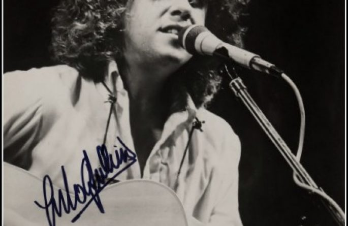 Arlo Guthrie Signed 8×10 Photograph