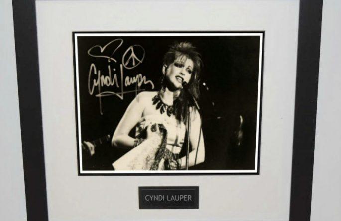 Cyndi Lauper Signed 8×10 Photograph