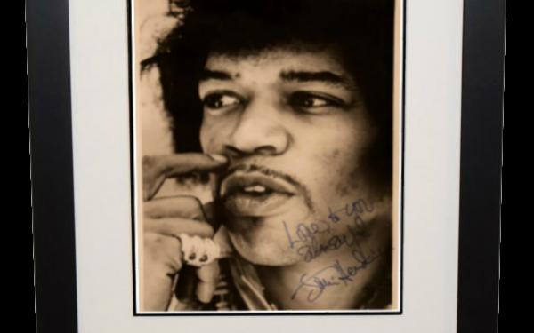 Jimi Hendrix Signed 8×10