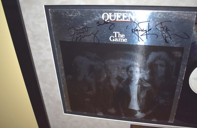 Queen – The Game