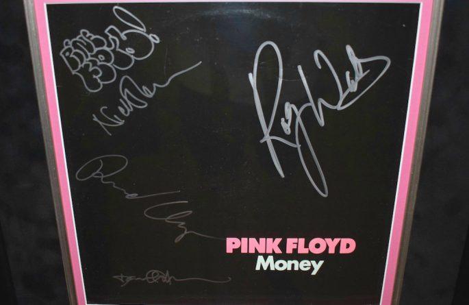 Pink Floyd – Money