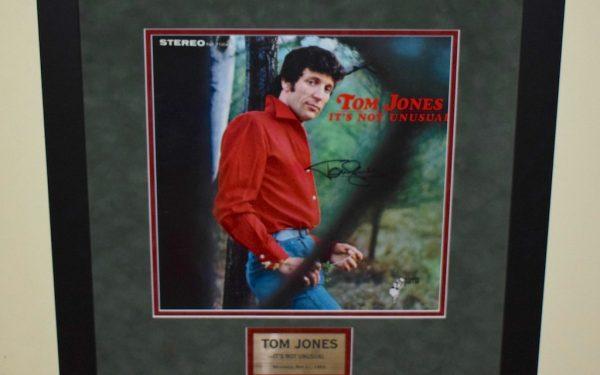 Tom Jones – It's Not Unusual