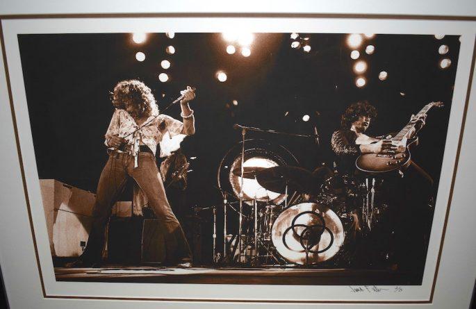 Led Zeppelin 16×20 Live Shot