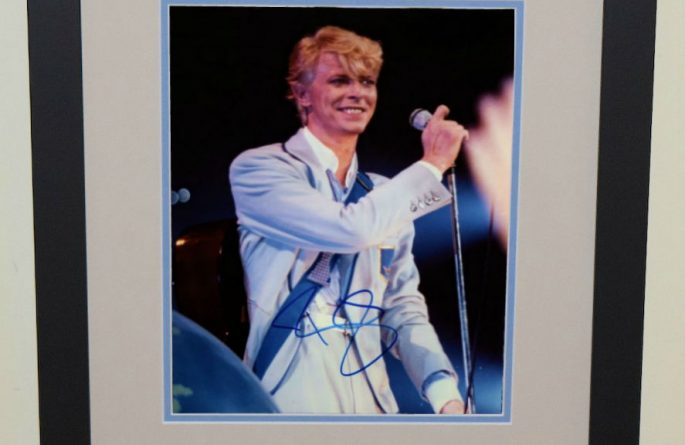#9-David Bowie Signed 8×10 Photograph