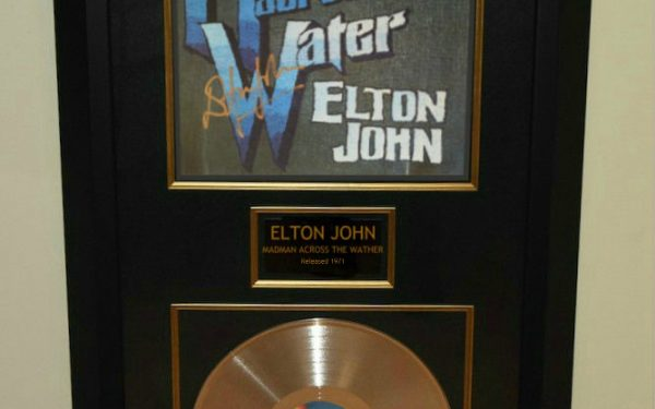 Elton John – Madman Across The Water