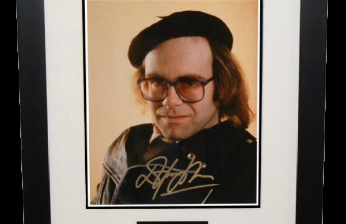 #6-Elton John 8×10 Photograph