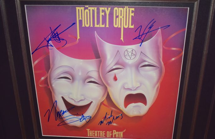 Motley Crue – Theatre Of Pain