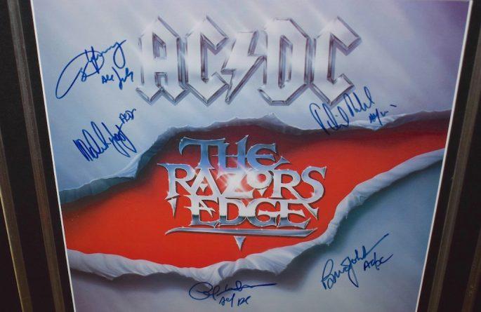 AC/DC – Razors Edge