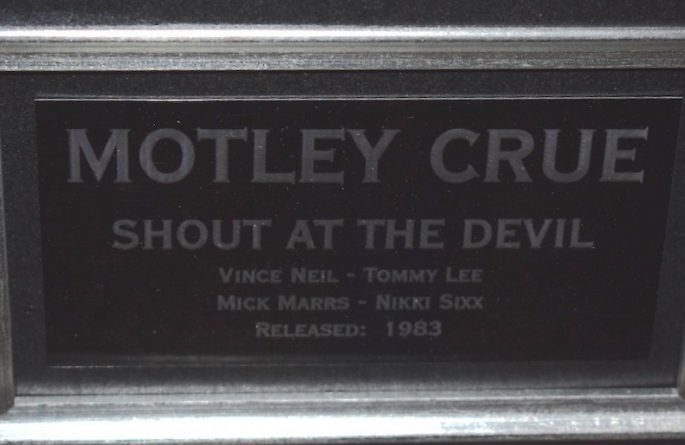 Motley Crue – Shout At The Devil