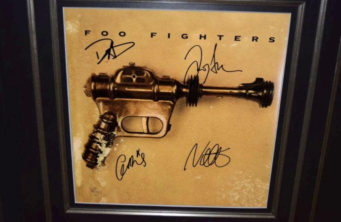 Foo Fighters – Debut