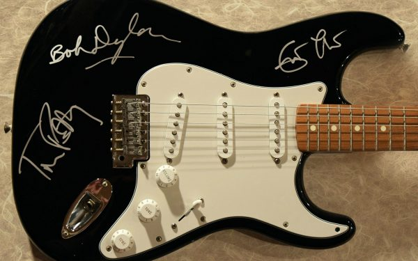 Bob Dylan – Eric Clapton – Tom Petty – Black Fender Stratocaster