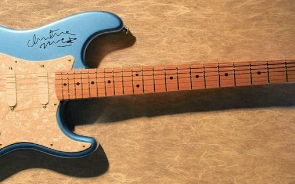 Fleetwood Mac – Metallic Blue Fender Stratocaster