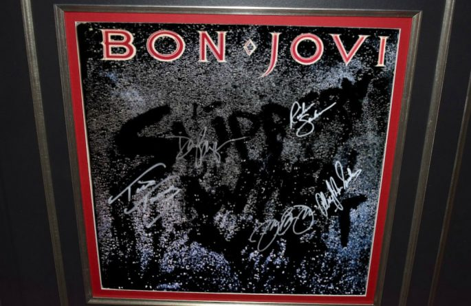Bon Jovi – Livin On A Prayer