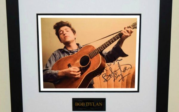 #16-Bob Dylan Signed 8×10 Photograph