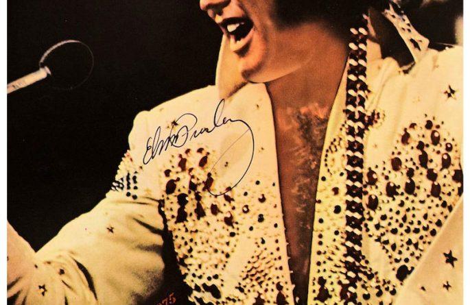 #13-Elvis Presley 8×10 Signed Photograph
